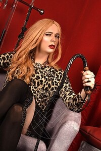 Mistress TravPadrona Sabrina Xxl