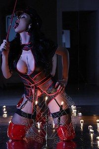 Mistress TransGloria Voguel