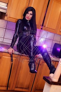 Mistress TravLady Yara Borges